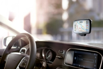 TomTom Go 5100 World Navigationssystem (13 cm (5 Zoll) kapazitives Touch Display, Magnethalterung, Sprachsteuerung, mit Traffic/Lifetime Weltkarten) -